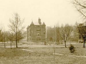 Alexander-Hall-1910