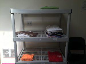 Queen Anne Helpline mens shelves